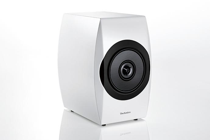 Premium_Class_SB-C700_Speaker_System_3_web